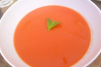 Receta ligera de gazpacho de cerezas
