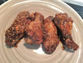 Cómo preparar alitas de pollo al sésamo