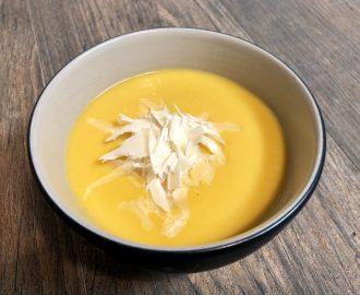 Crema casera de calabaza con parmesano